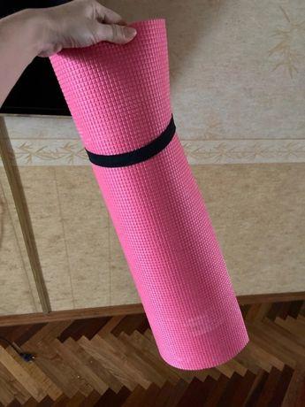 Продается коврик для фитнеса, йоги, растяжки, занятия спортом.
