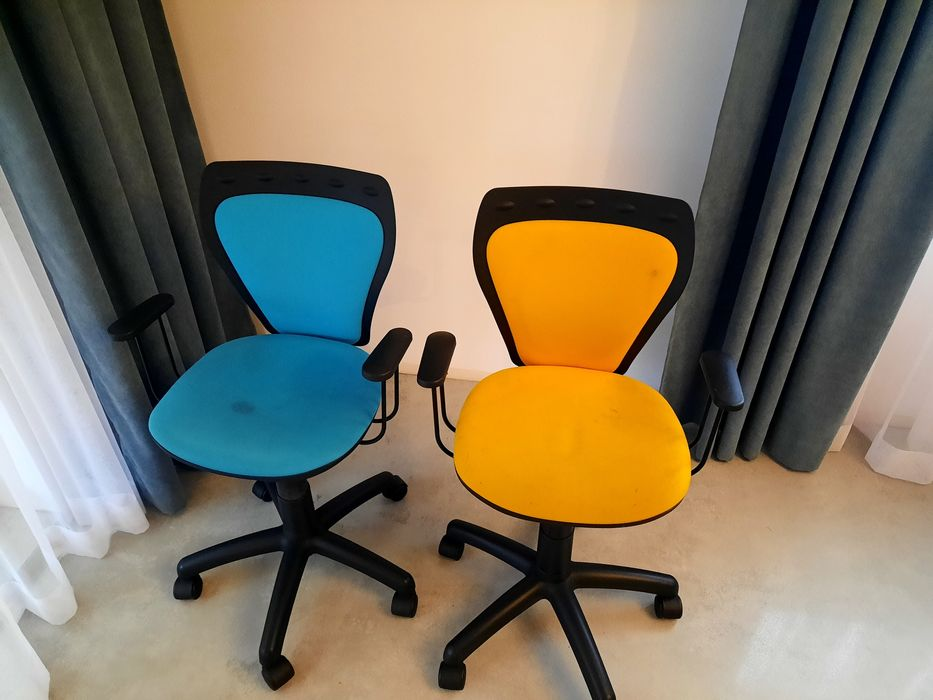 Fotele dla dzieci na kółkach do biurka - cena za szt. Otwock - image 1