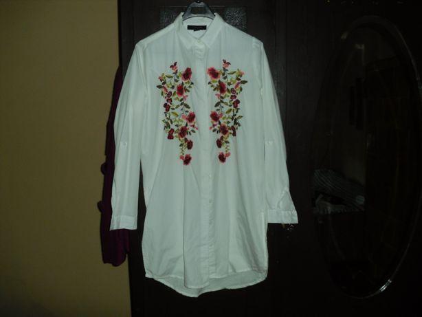 Długa biała koszula z haftem R.34-36.