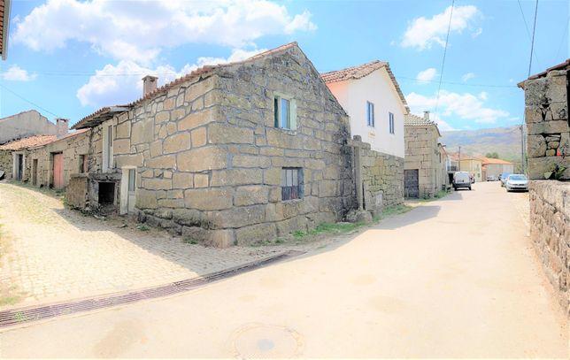 Moradias/Casas de Pedra Granito - Aldeia da N2 - Telões - V.P. Aguiar