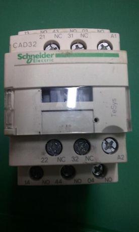 Stycznik Schneider CAD32D7 NOWY