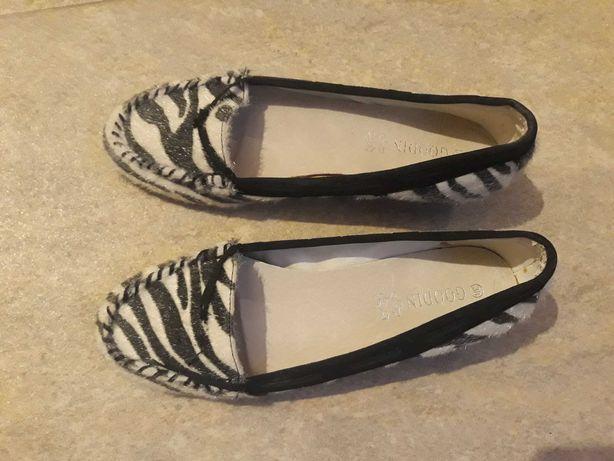 Zrbra buty pantofle 38