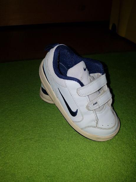 NIKE buty, buciki, obuwie sportowe - roz.26- stan bardzo dobry
