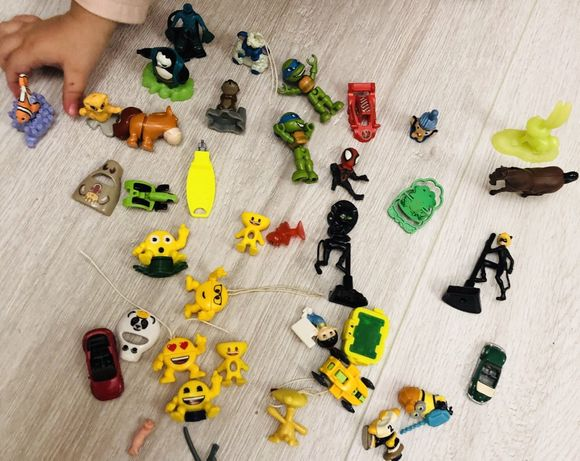 Кіндер сюрприз сюрпризи ігрушки колекція фігурки детальки лот