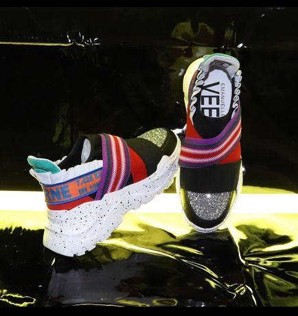 Нові кросівки, високої якості, 36 розмір