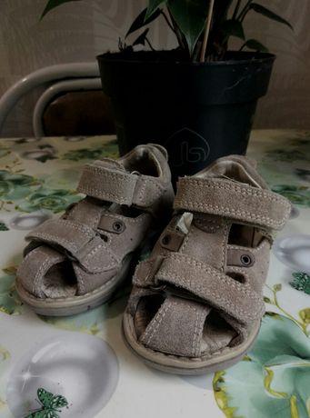 Продам летние сандали, босоножки на мальчика.