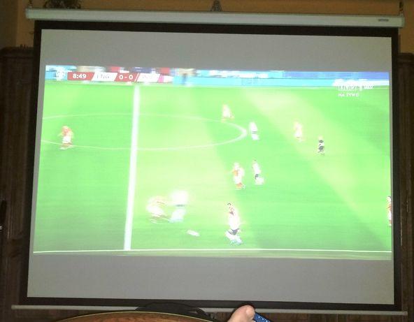 Ekran projekcyjny półautomat 200x150 biały mat kino domowe