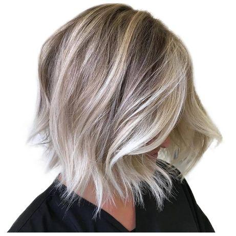 Peruka krótkie włosy fale blond ombre