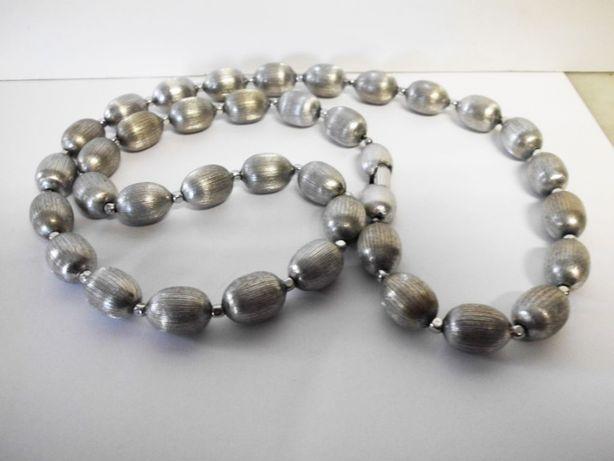 fantastico colar de marca americana Trifari vintage em cor de prata
