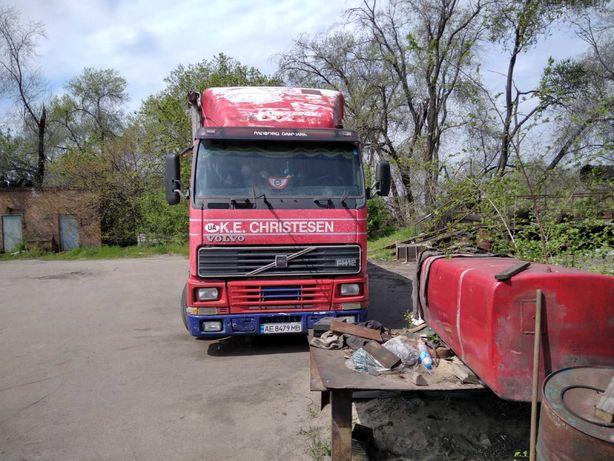 Продам грузовой фургон Volvo fh12-380