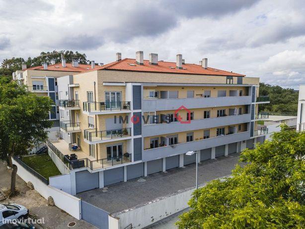 Apartamento T3 Semi Novo na urbanização de Santa Clara