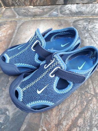 Аквашузи, босоножки Nike 25