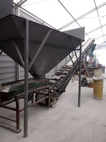 Linia produkcyjna do mielenia i oczyszczania szkła.