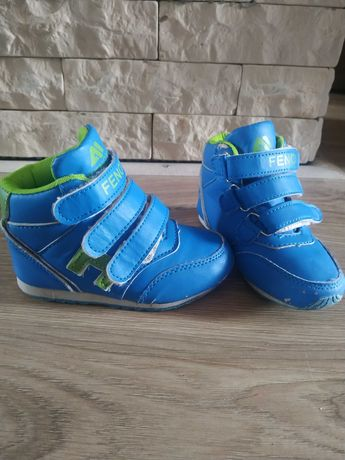 Кроссовки демисезонные , ботинки