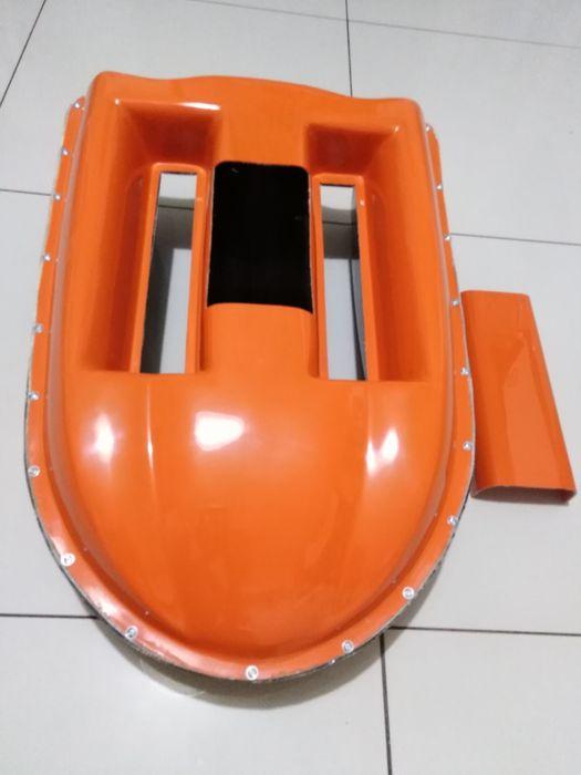 Łódka zanętowa- Kadłub