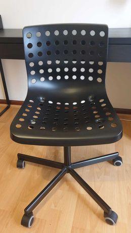 Secretária + cadeira c/ rodas