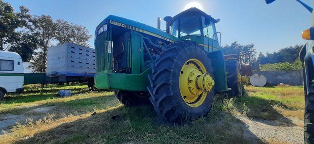 Потужний, надійний, трактор John Deere 8850