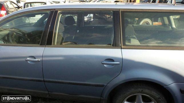 Porta Tras Esquerda Volkswagen Passat (3B2)