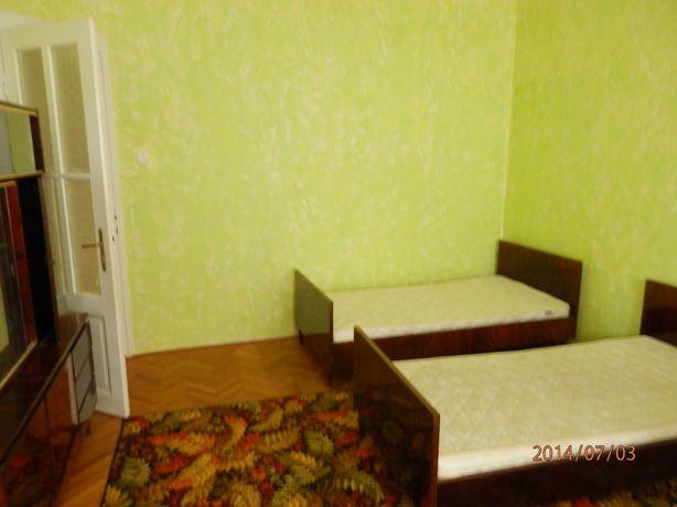 Сдам долгосрочно квартира на Корзо 2 комнаты, раздельные
