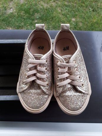 Buty błyszczące H&M 24