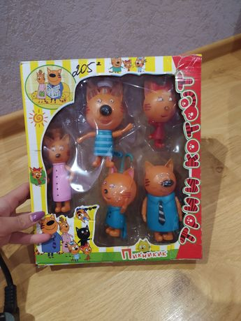 Три кота  іграшки