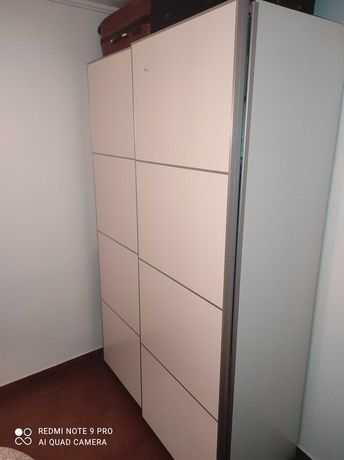 Roupeiro IKEA como novo