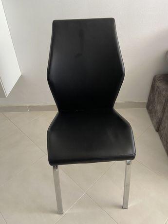 Cadeiras para mesas de jantar   Semi Novas   Bom estado