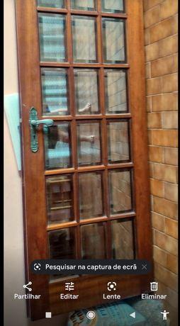 2 Portas de interior em madeira sem aros