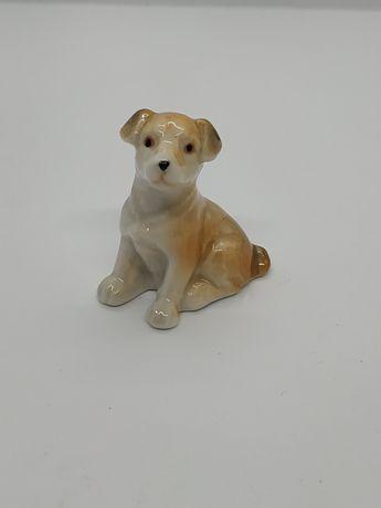 Фарфоровая статуэтка щенок собака пёс СССР фарфор