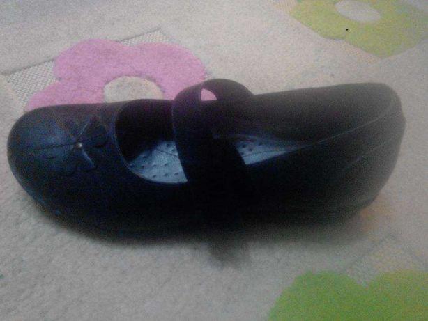 Сандали кросовки туфельки женские все вместе всего 400 грн