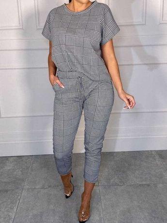 Elegancki komplet bluzka ze spodniami do kostek w krate