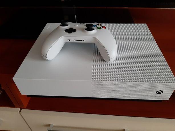 Xbox One S 1tb + subskrypcja Xbox Live Gold 12msc
