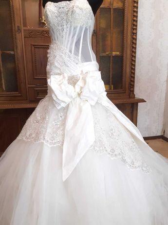 Дизайнерское свадебное платье 42 р