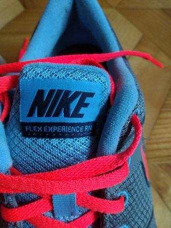 Nike experience Flex RN 3