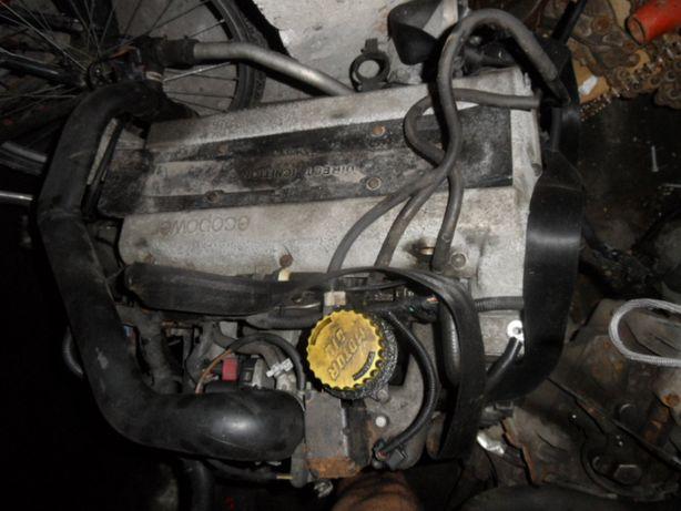 silnik kompletny saab 2.0 turbo 2003r
