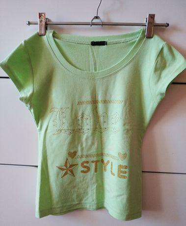 Мягкая салатовая летняя футболка на девочку