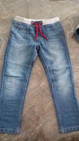Spodnie nowe 116