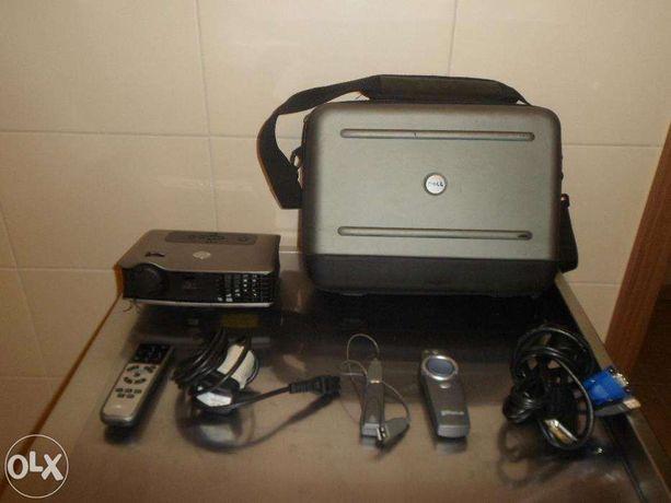 Projektor / rzutnik komputerowy DELL 3400MP + pointer TargusPaum35