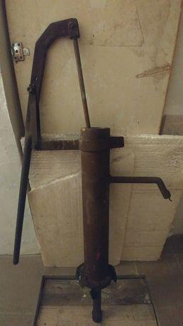 Ручная колонка для воды из стали