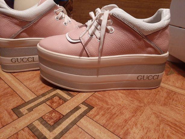 Продам кросовки ,розмер 36