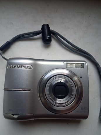 Продам фотоаппарат Олимпус б/у