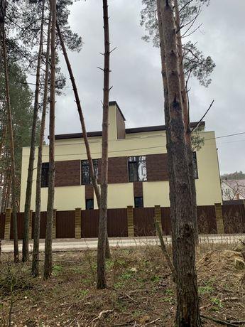 Уникальный дуплекс с огромной террасой с видом на лес в Ирпене