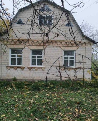 Будинок з ділянкою 60 соток