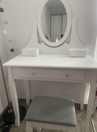 Toaletka, biała, z lustrem i taboretem