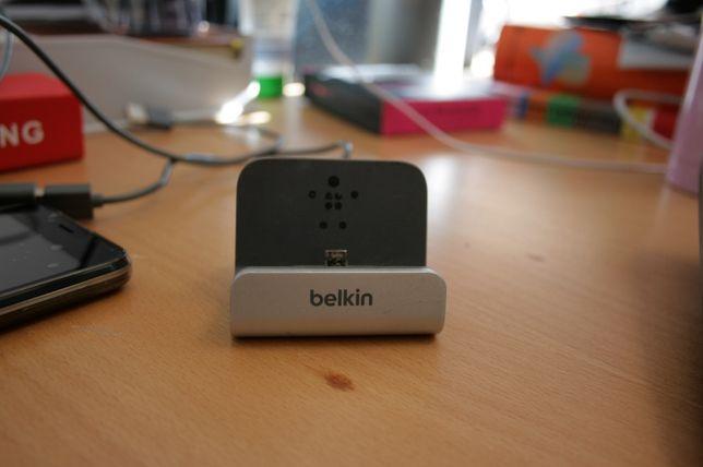 Estação de Carregamento Micro USB Belkin