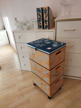 Komplet- komoda /wózek na kółkach+2 segrega, drewno, ręcznie malowane