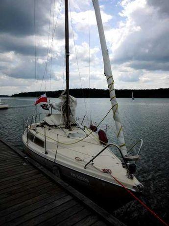 czarter jachtu żaglówki  -jezioro sławskie