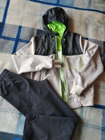 Спортивный костюм на мальчика 8-10 лет