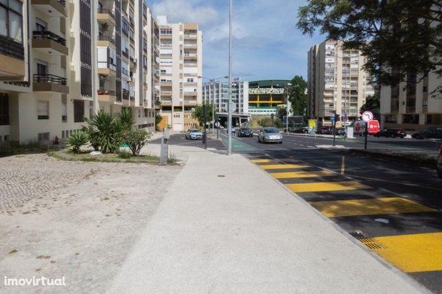 """Vendo Loja """"Clinica"""" com 346 m2 Alvalade"""
