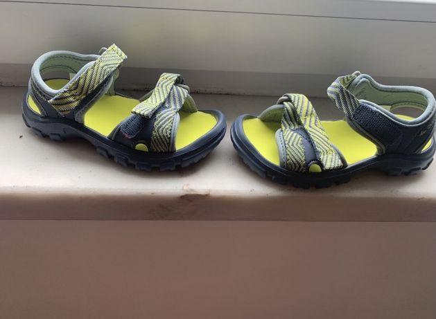 Sandálias criança - caminhada, praia